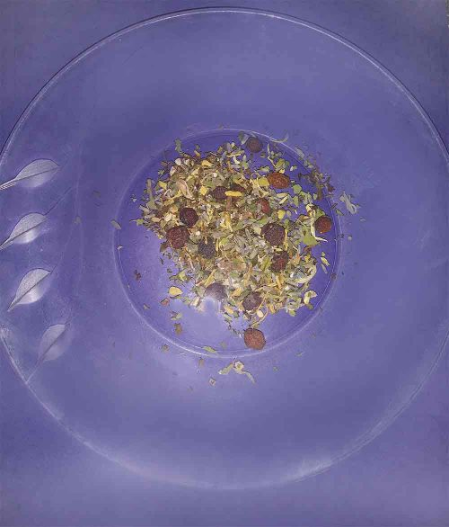 chakra-glo-tea-leaves